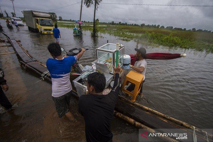 Dampak Luapan Sungai Martapura