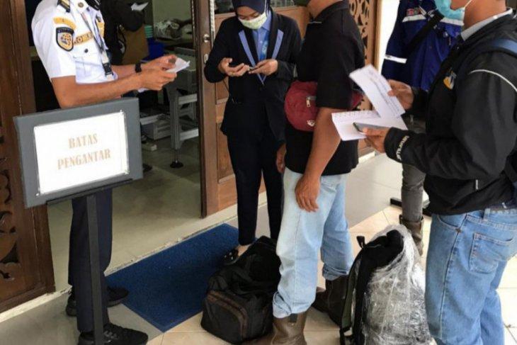 Aktivitas penerbangan di Bandara Bersujud kembali normal