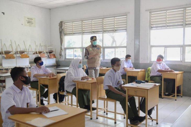 Gubernur Aceh tinjau belajar tatap muka di Sekolah