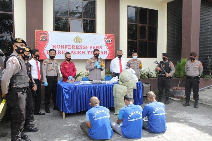 Polres Aceh Tengah tangkap tiga pemilik 24 kilogram ganja kering