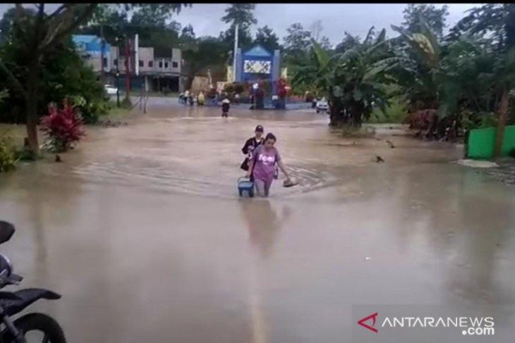 Pemkab Bengkayang secepatnya tetapkan status darurat bencana daerah