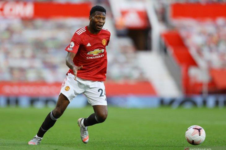 Timothy Fosu-Mensah segera merapat ke Bayer Leverkusen