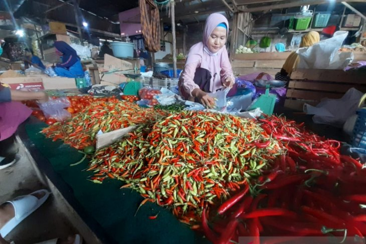 Harga cabai rawit di Tanjung Pandan naik Rp10 ribu per kilogram