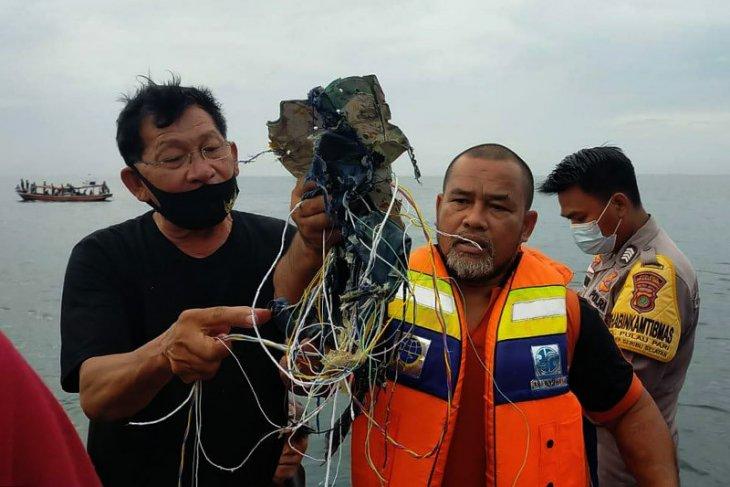 Pesawat Sriwijaya Air jatuh di perairan Pulau Laki