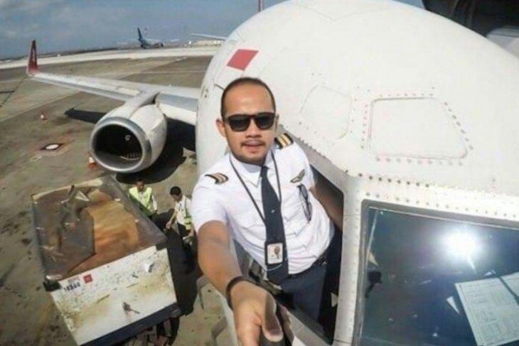 Kru Sriwijaya Air Fadly Satrianto berencana nikahi seorang dokter