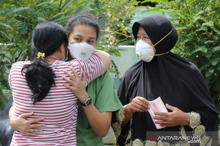 Tim DVI Polda Jatim ambil sampel DNA ibunda kru Sriwijaya Air SJ-182