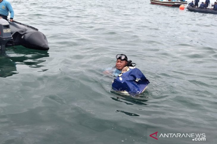 SAR temukan serpihan pesawat Sriwijaya Air SJ 182 dan potongan tubuh