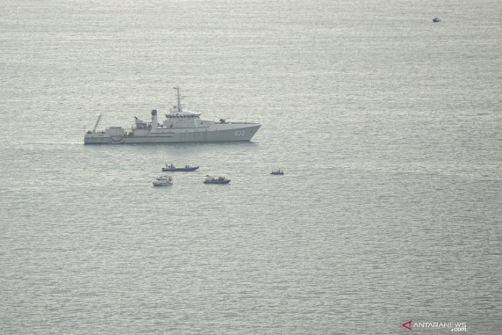 Tim gabungan temukan bagian pesawat Sriwijaya Air SJ-182