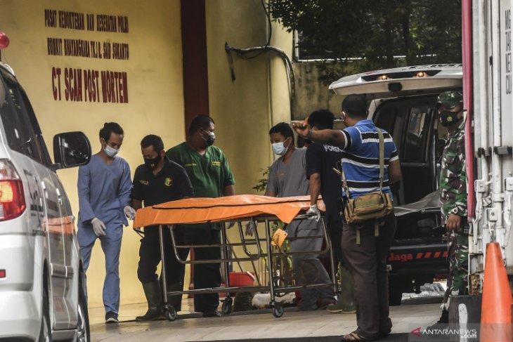 16 kantong jenazah dan 3 properti korban Sriwijaya tiba di RS Polri
