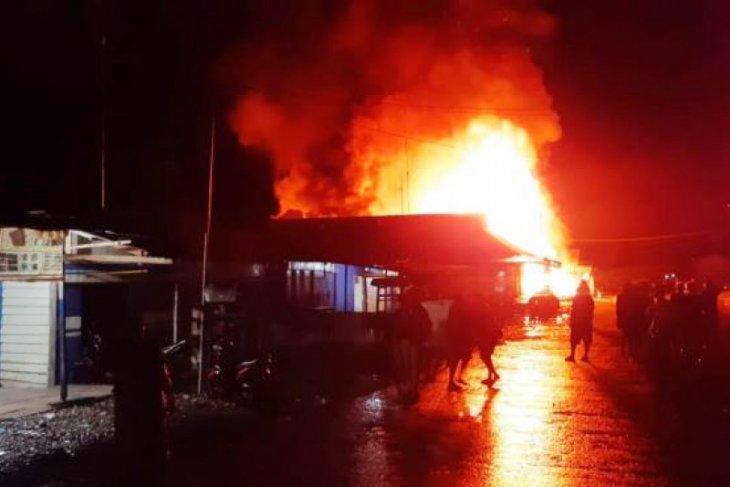 Kemarin, Polisi menembak tersangka di Medan hingga korban pesawat jatuh