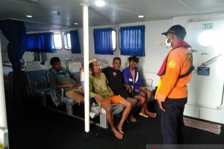 Tim SAR selamatkan empat nelayan perahu panjang