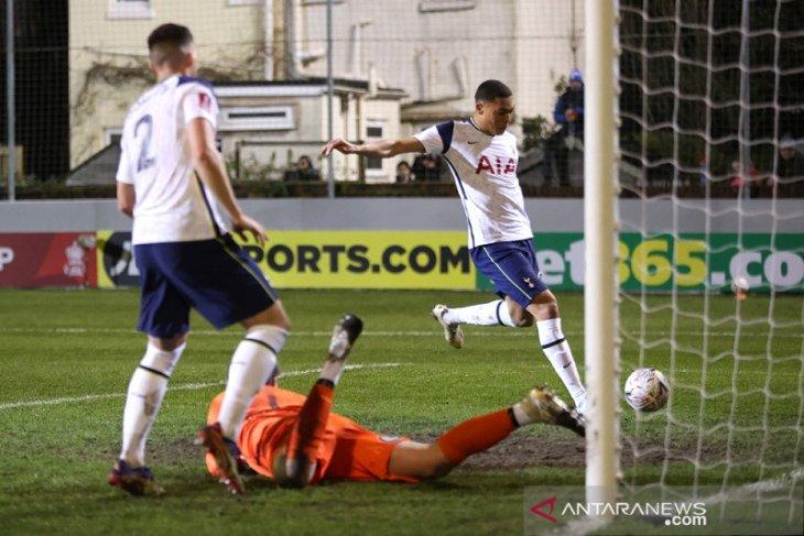 Tottenham berondong lima gol tanpa balas ke tim strata paling rendah di Piala FA