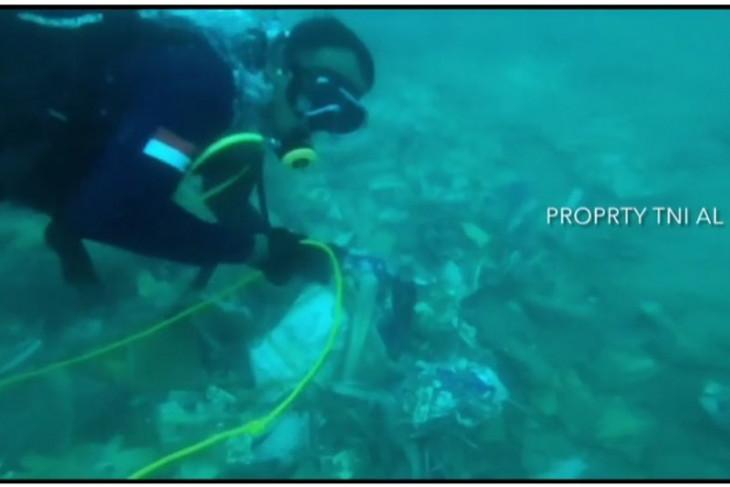 Penampakan bawah laut di lokasi jatuhnya pesawat Sriwijaya Air SJ-182 (video)