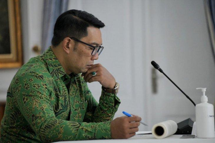 Ridwan Kamil tegur tenaga medis tolak vaksinasi COVID-19