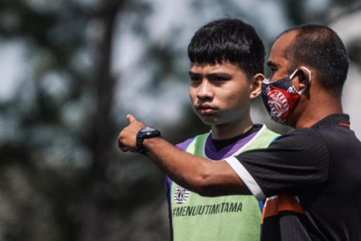 Pemain EPAPersija Jakarta berlatih di tengah PPKM COVID-19