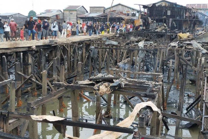 Bertengkar dengan istri  bakar rumah,  60 keluarga kehilangan tempat tinggal
