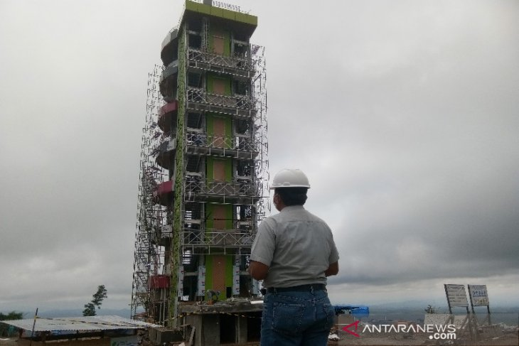 Pembangunan Menara Pandang Kebun Raya Sipirok capai 95 persen