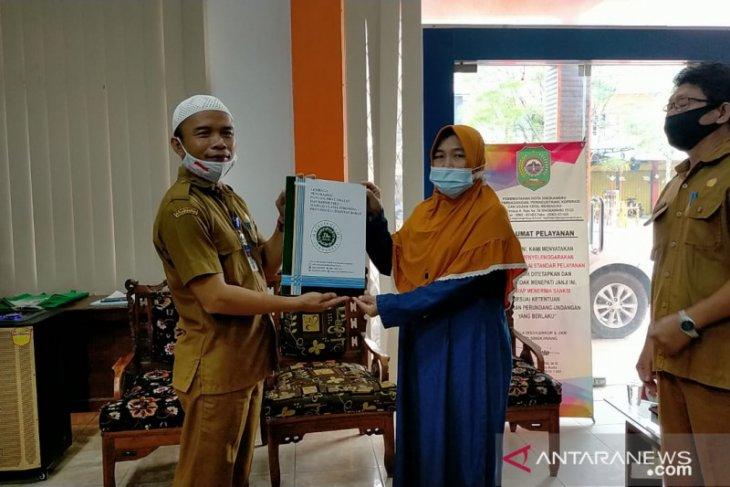17 UMKM Singkawang terima sertifikat halal