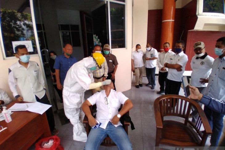 Sejumlah legislator positif COVID-19, staf dan anggota DPRD Situbondo jalani