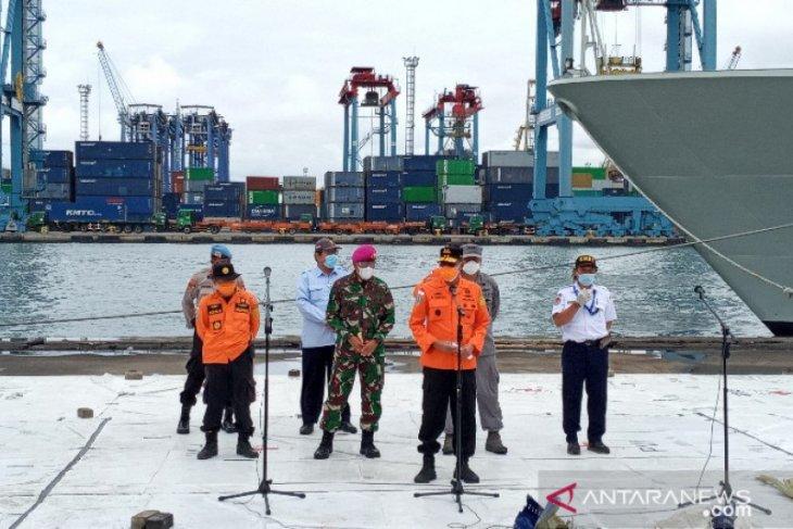 Basarnas: Cuaca tidak mendukung penyelaman dan pencarian Sriwijaya Air