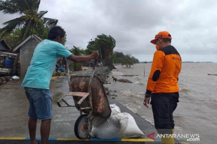 BPBD Belitung bangun talud penahan gelombang antisipasi rob susulan