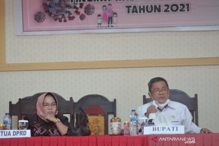 Bupati Gorontalo Utara imbau warga tidak takut divaksin