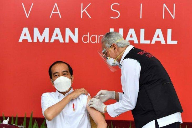 Sejumlah hal ditanyakan ke Presiden Jokowi sebelum divaksin