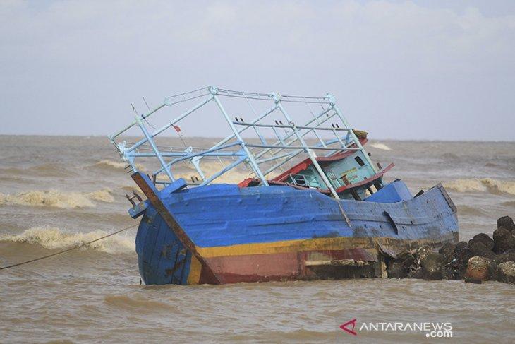 Kapal nelayan karam