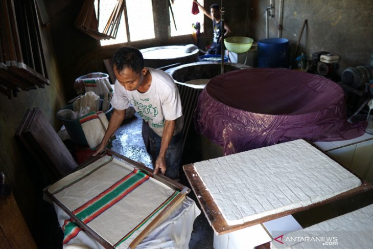 Usaha tahu di Gorontalo terdampak kenaikan harga kedelai