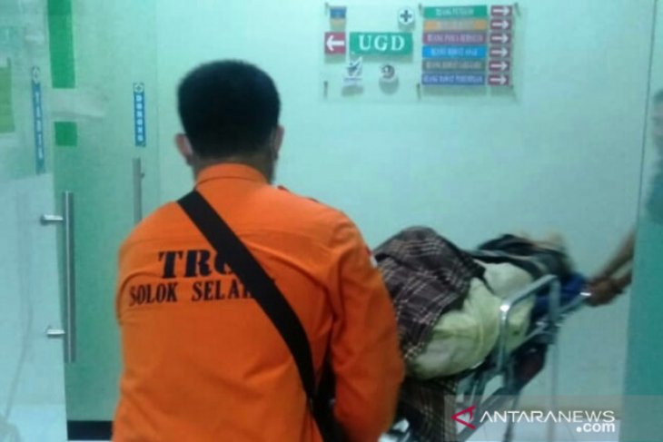 Rescuers find four of six miners following South Solok landslide