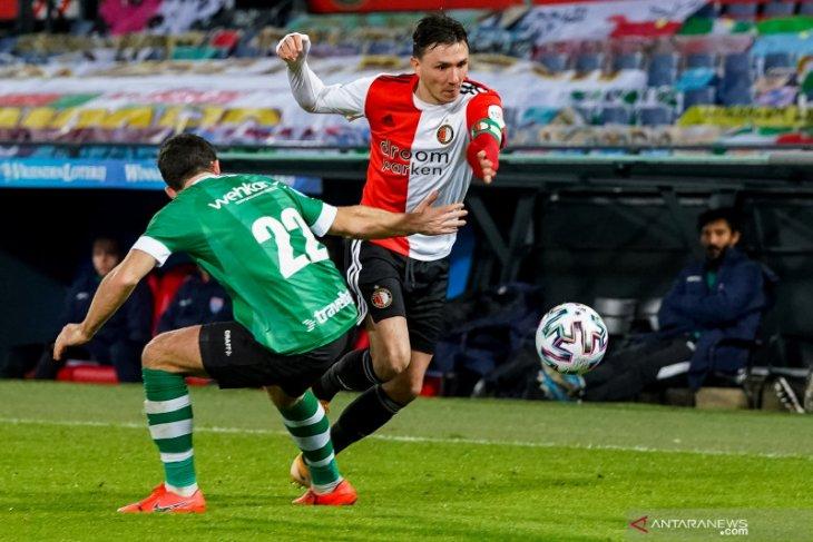 Feyenoord merangsek ke posisi dua setelah menang 1-0 atas Zwolle