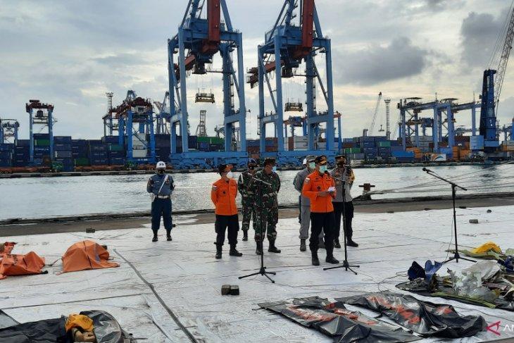 Fokus pencarian pada hari keenam utamakan korban dan CVR Sriwijaya SJ 182