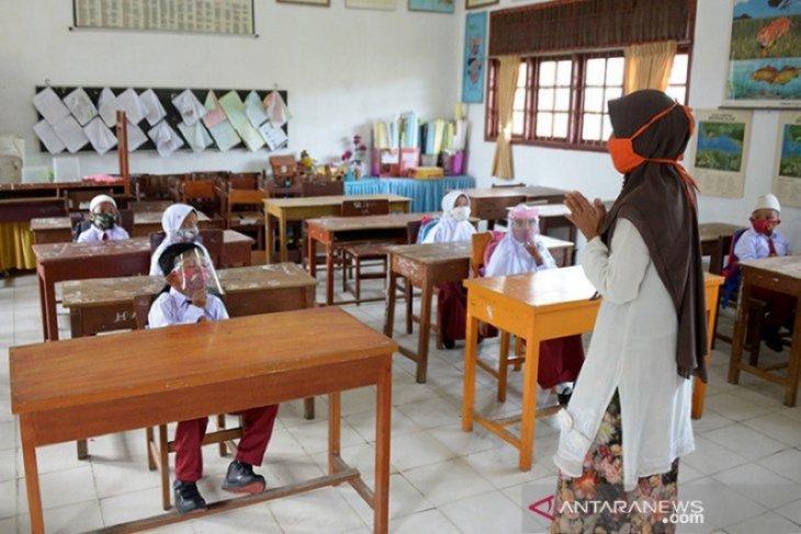 Guru dan pelajar di Aceh diminta baca doa tolak bala sebelum PBM