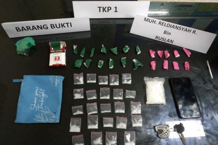 Polisi tangkap tiga pengedar sabu-sabu