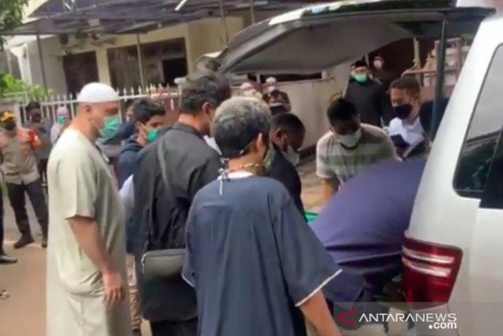 Jenazah Syekh Ali Jaber disemayamkan di rumah duka Pulogadung Jaktim
