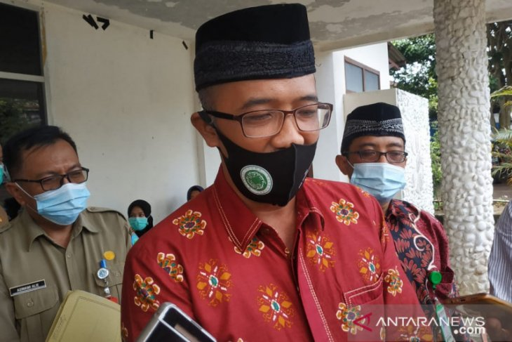 Pemkab Bangka serahkan 90 lembar sertifikat halal