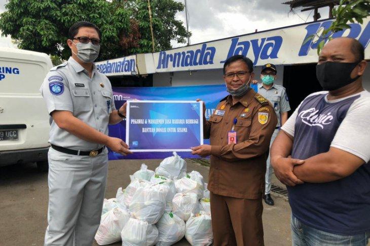 Jasa Raharja Banten Bagikan 270 Paket Sembako Bagi Warga Terdampak COVID-19