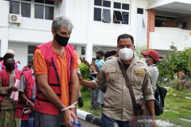 13 tersangka korupsi aset pemerintah di Labuan Bajo ditahan