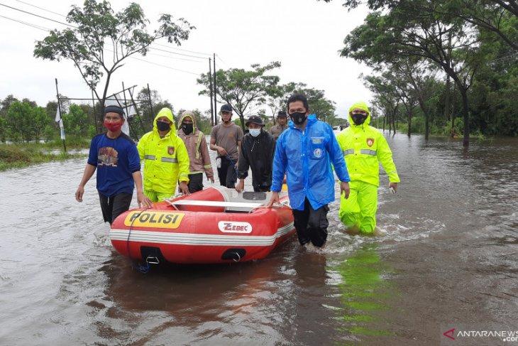 Polres Banjarbaru distribusikan bantuan warga terjebak banjir