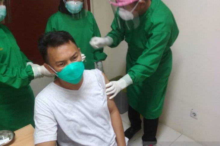 Ketua DPRD dan Forkopimda Kota Pangkalpinang ikuti vaksinasi Covid-19