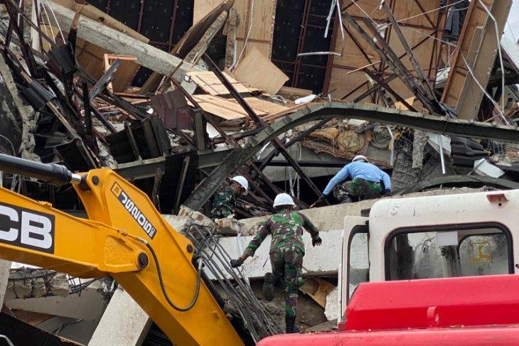 Warga diimbau waspada gempa susulan yang bisa picu longsor