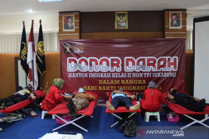Kantor Imigrasi Sukabumi gelar donor darah massal