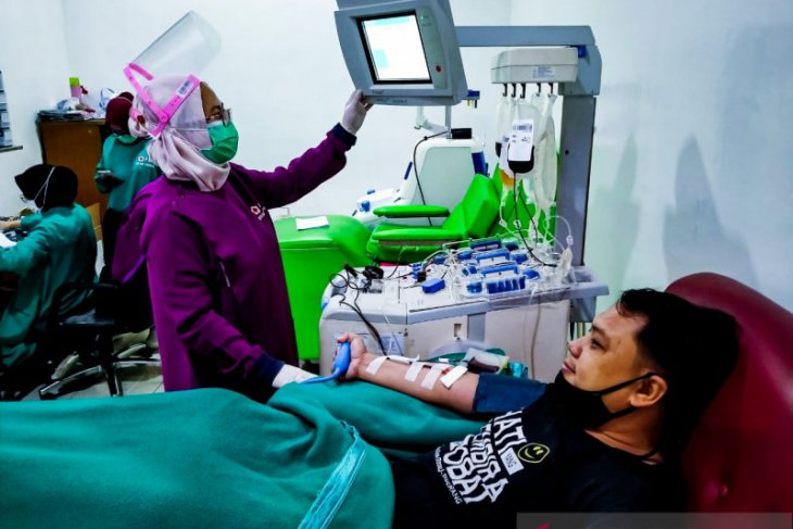 PMI: baru divaksin COVID-19 tidak bisa langsung donor darah