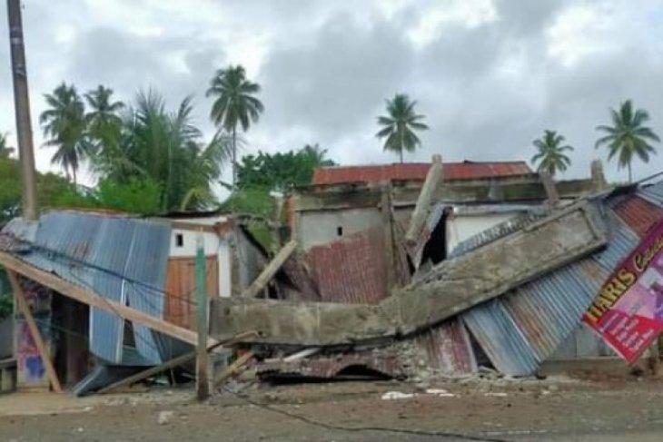 Warga pesisir tinggalkan Kota Majene antisipasi tsunami