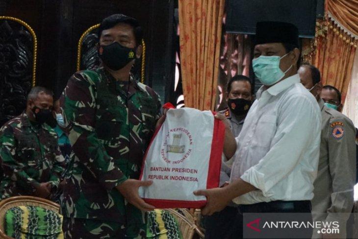 Panglima TNI salurkan bantuan Presiden bagi korban banjir Kalsel