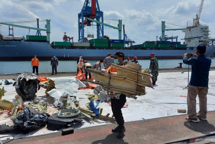 360 penyelam dikerahkan di hari  kedelapan pencarian Sriwijaya Air