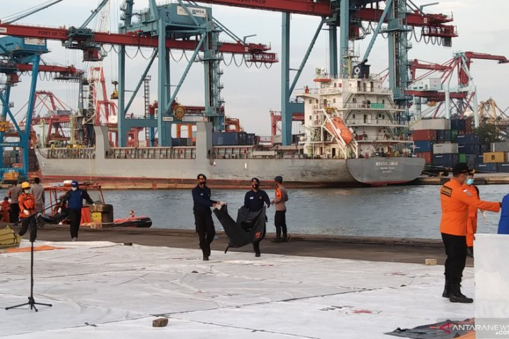 SAR team hands 17 body bags to police's DVI team