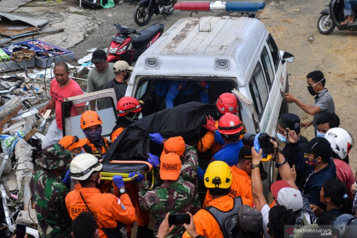 Death toll in West Sulawesi's earthquake has climbed to 56: BNPB
