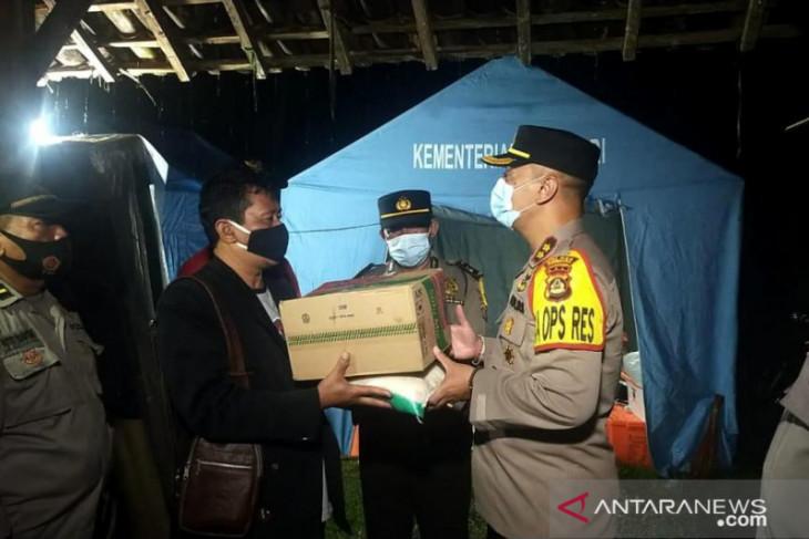 Polres dan Kodim Jembrana beri bantuan korban banjir