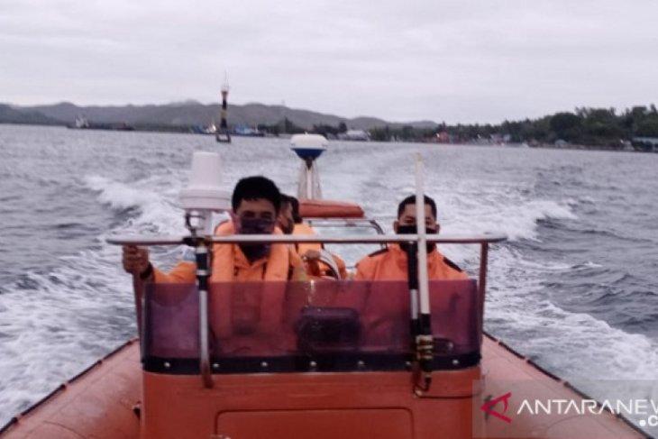 Satu penumpang KM Dobonsolo jatuh ke laut belum ditemukan